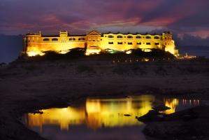 Khirasra Palace