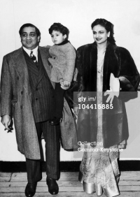 Maharaja Pratapsinhrao Gaekwad of Baroda with son Princy and wife Maharani Sita Devi