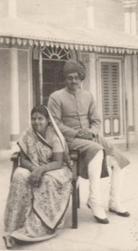 Late Yuvraj Alakshendra Kant Singh with Yuvrani Jyoti Prabha, princess from Shahpura Rajasthan