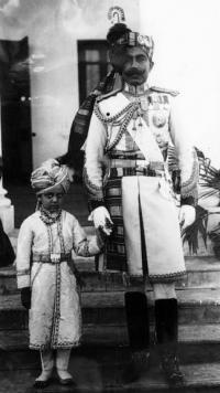 Maj.-Gen.HH Maharajadhiraj Raj Rajeshwar Narendra Siromani Maharaja Sri Sir GANGA SINGHJI Bahadur with his son