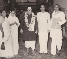 H.H.Raja Sir Anand Chand KCIE,MP,MLA with Lok Sabha Speaker and Chief Minister Sucheta Kriplani and her husband Acharya Kriplani