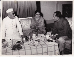 H.H.Raja Sir Anand Chand, President Zakir Hussain and Miss. CPN Sinha at Parliamentary Bungalow Delhi
