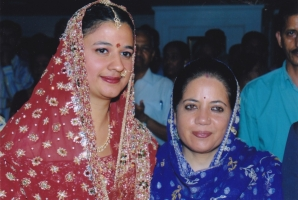 Rajkumari Dr. Sunanda Chand of Bilaspur with Maharani Pratibha Singh MP, wife of Himachal Chief Minister Maharaja Virbhadra Singh