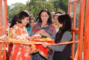 Maharajkumari Diya Kumari of Jaipur inaugrating Tangerine Boutique Salon owned by Yuvrani Natasha Kumari (Bissau)