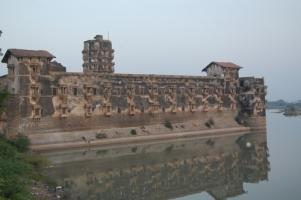 Halvad palace