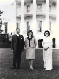 Maharaja Sawai Man Singh of Jaipur & Maharani Gayatri Devi with first lady Jaquelin Kennedy of United States of America
