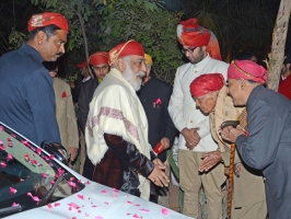 Maharaj Sahib Karan Singh ji of Karjali and family at Karzali House receiving Shriji for Banola of Lakshyaraj Singh Mewar
