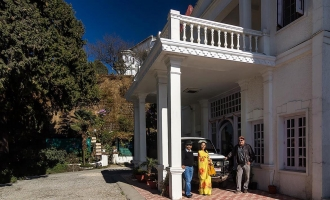 Rajkumar Dinraj Pratap Singh and his wife Rani Yadunandini at Kasmanda Palace, Mussoorie