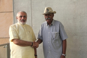 Rajkumar Shri Divyarajsinhji Lakhtar with Prime Minister of India Shri Narendra Modiji