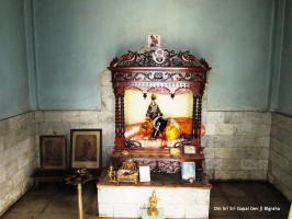 Om Shri Madan Madhav Gopal Dev Ji - Divine Idol from a single piece black granite