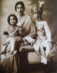Rani Amrit Kaur, wife of Colonel Raja Sir Jogendra Sen Bahadur, with their children