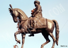 Statue of HH Maharaja Shri Waghji Thakore