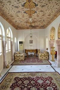 Mundota Palace Lounge
