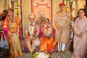 Rajmata Sri Satya Pramoda Kumari and Maharaja Yaduveer Krishnadatta Chamaraja Wadiyar with bride Rajkumari Trishika Kumari, daughter of Yuvraj Harshvardhan Singh of Dungarpur