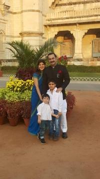 MK Ketan Sinhji along with his wife & children