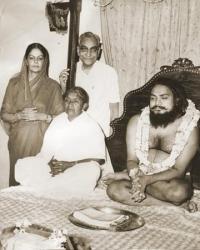 Maharaja Rajendra Narayan Singhdeo and Rani Kailash Kumari Devi with a famed Sadhu at Sailashree Palace