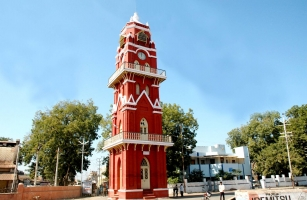 Lal Tower, built in 1896 during the reign of Maharana Gambhirsinhji