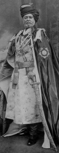 1875 - 1920 H.H. Raj Rajeshwar Maharajadhiraj Maharao Shri Sir Keshri Singhji Bahadur, Maharao of Sirohi, GCIE (9.11.1901), KCSI (1.1.1895). b. at the Fort, Sirohi, 20th June 1857, only son of H.H. Ma
