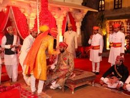 Tilak Dastur of Swastiman Baojiraj Sahib Maharaj Kumar Lakshyaraj Singh Mewar (4th Dec 2013)